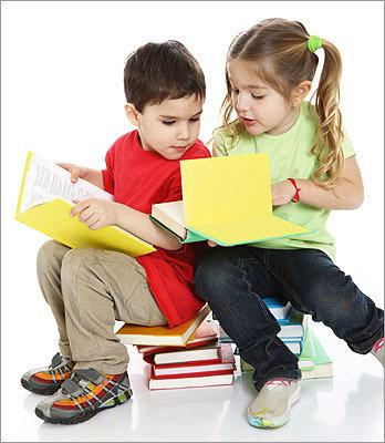 التعامل مع طفل الروضة.. 8 نصائح لتسهيل الذهاب للمدرسة Istock-kids-reading__1291409611_6978